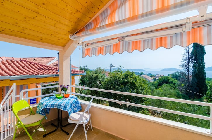 Apartments Donita - Standard Two Bedroom Apartment with Balcony and Sea View