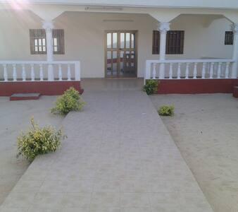 Maison au calme à louer à Lomé sur la RN2