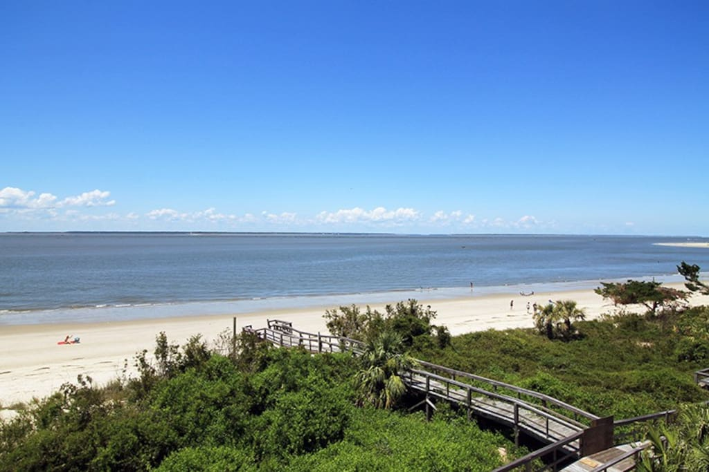 Spectacular Panoramic Vistas of the Savannah River Entrance and Atlantic Ocean From Your Private Balcony