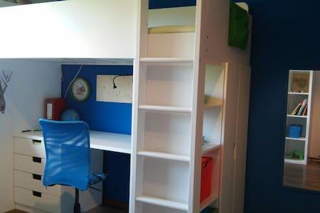 Zimmer mit Hochbett 200x90 cm - Rosenheim