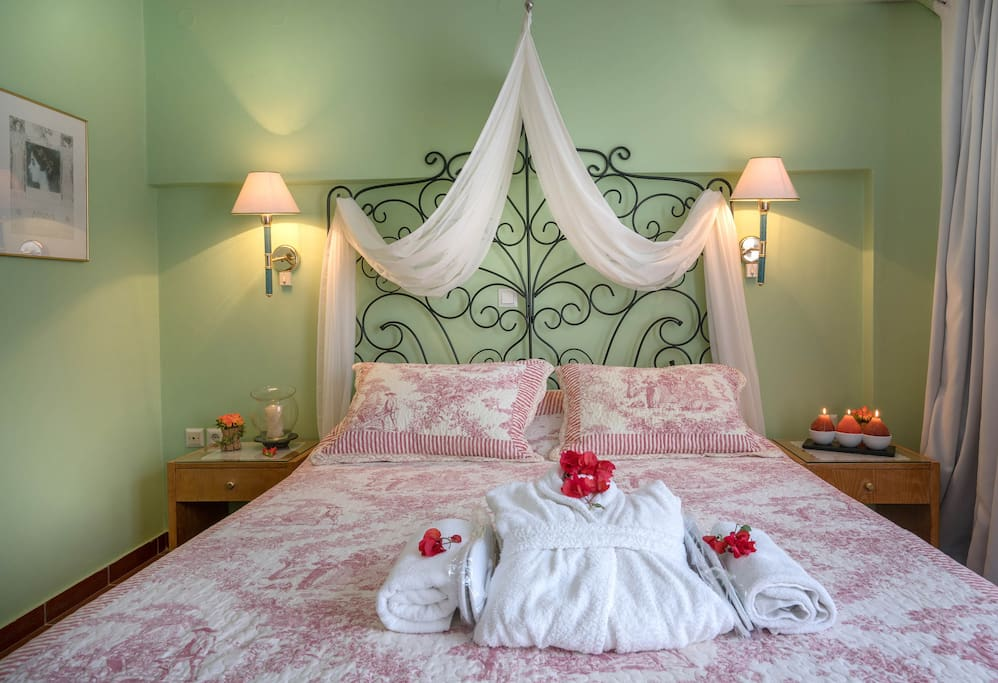Romantic bedroom-all the comfort of your home