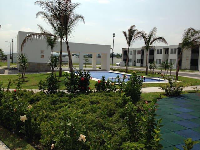 QRO. CON ESTILO: Departamento con Alberca - Corregidora - Lägenhet