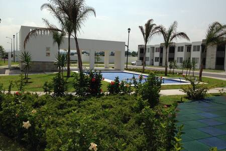 QRO. CON ESTILO: Departamento con Alberca - Corregidora - Leilighet