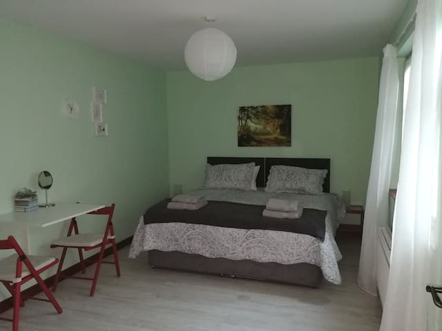 Entire space for 2 in Mayobridge