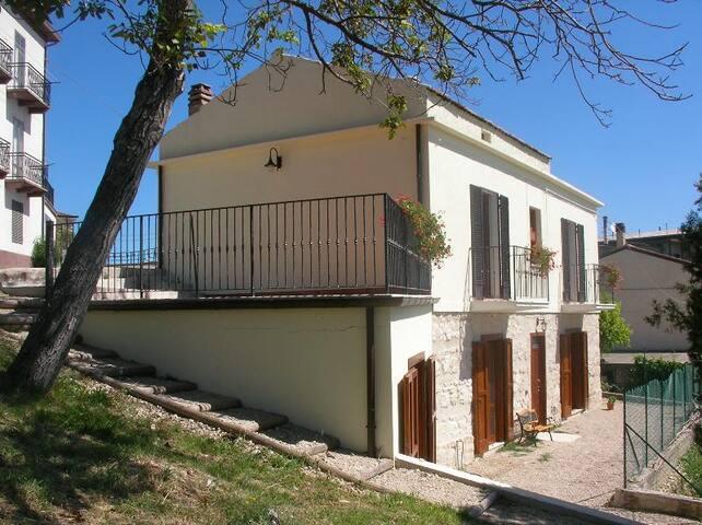 Spacious Italian villa with panoramic views