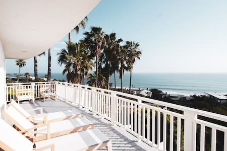 Malibu Beach View House. 1 min to Beach! *50% OFF*