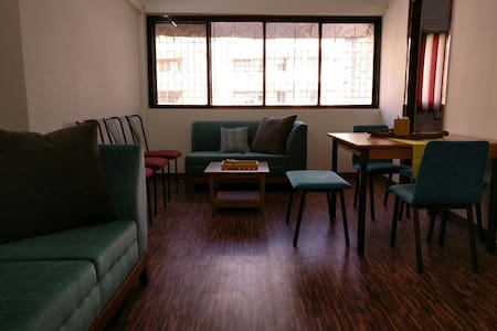1.5 BHK in Lokhandwala Complex, Andheri West - Thane