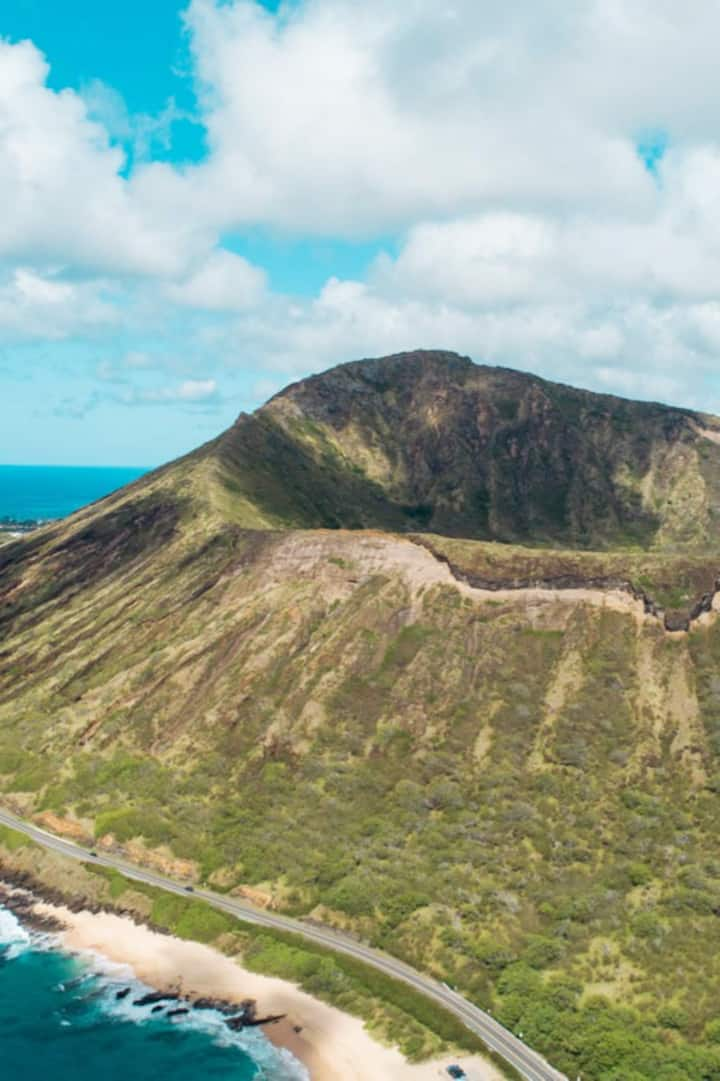 Cruise Oahu's most beautiful roads,