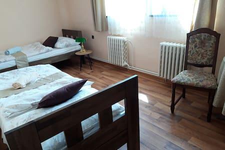 Ubytování v malém rodinném hotelu.