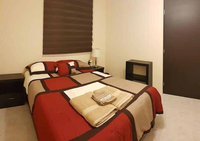 Private room in La Roma, great location!