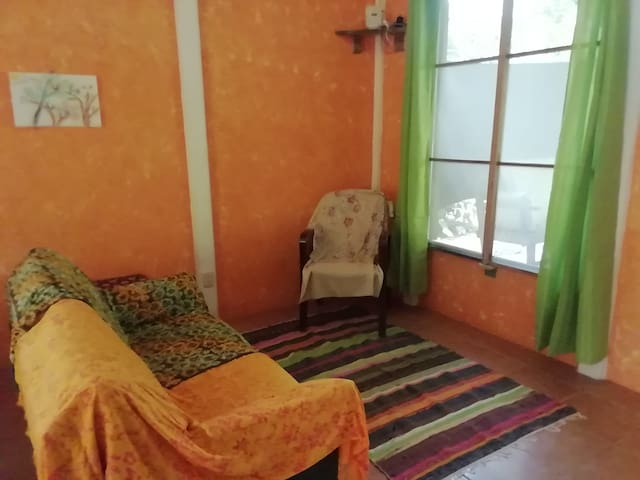 Triple room in private house w/shared bath+kitchen