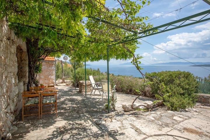Amazing view stone house with private parking