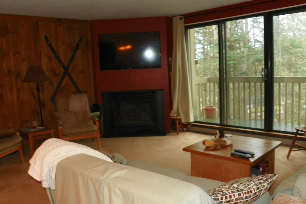 Waterville Valley Vacation Fireplace and Deck Condominium