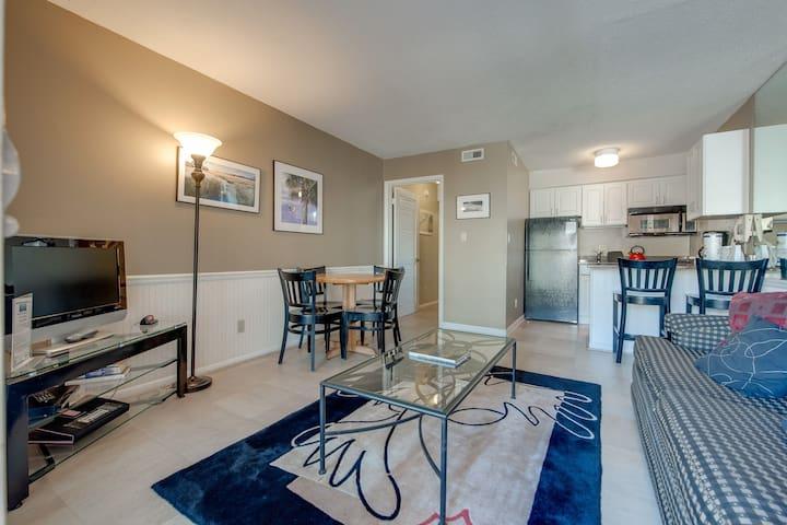 Beachfront condo w/ a full kitchen, private balcony, shared pools
