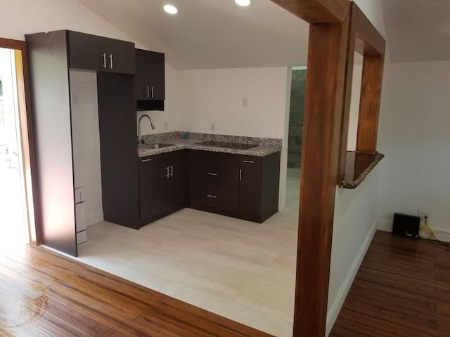 Spacious Modern studio with pool in Old Town