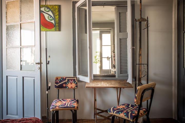 Private room Monastiraki style