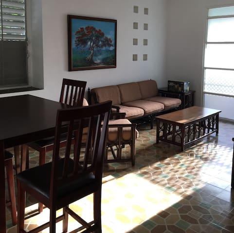 Ri's Rentals - Beach House in Ocean Park