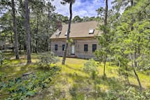 Rest and relaxation await at this charming Wellfleet home!