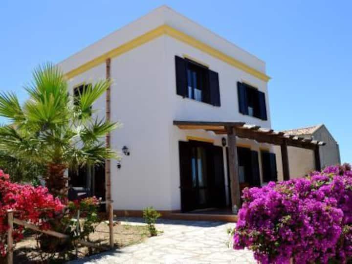 Casa Tarabulus: sun and wind in the laguna