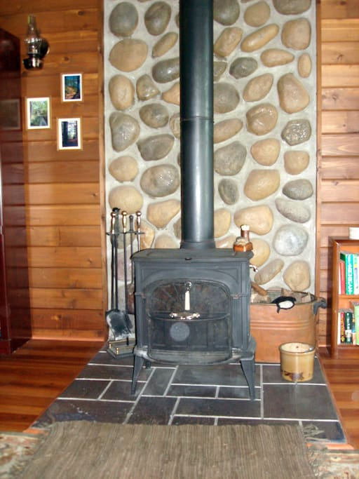 The living room has a woodstove/fireplace and we provide the wood!