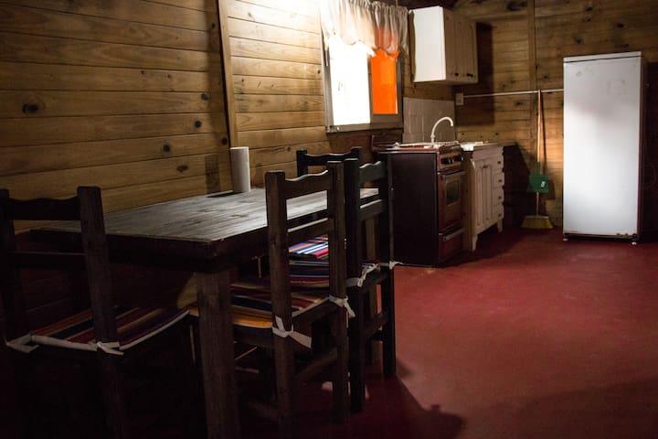 Casa en alquiler para 4 personas en  Villa Gesell.
