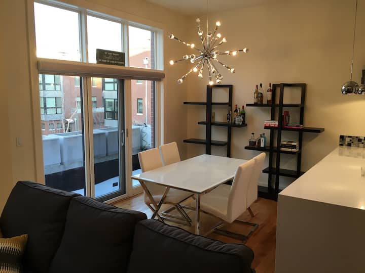 Gorgeous Downtown/Old-Market Rowhouse!!!!