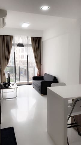 1BR Amazing!!! Spacious(Near MRT & 24 hours Mall)
