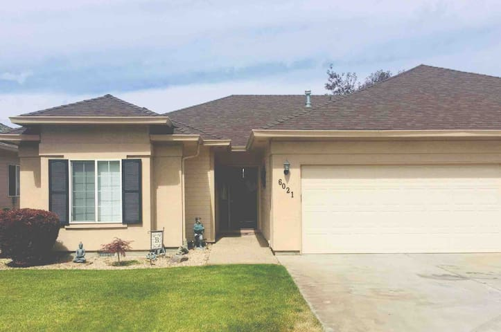 Gated Community/5 mins/Boise River and Fairground