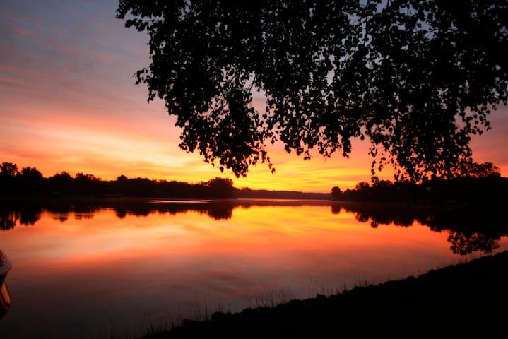 Lakefront Home - Swim, Fish, Ski, Golf!!! - Nekoosa - Casa