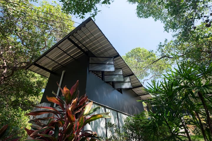 Himmapan Loft-Style Bungalow - Ko Phayam