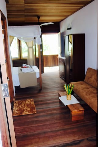 IRÚ Guest House front Beach - Thulusdhoo - Bed & Breakfast