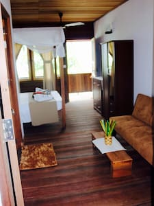 IRÚ Guest House front Beach - Thulusdhoo