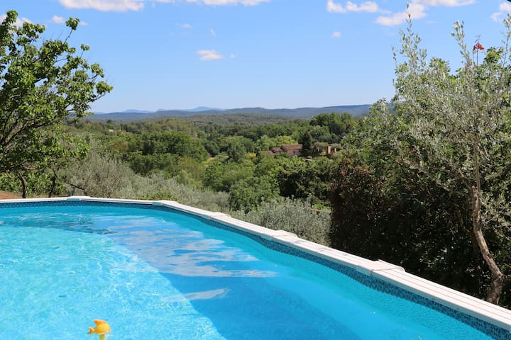 A three-bedroom villa in the Var countryside - Cotignac - House