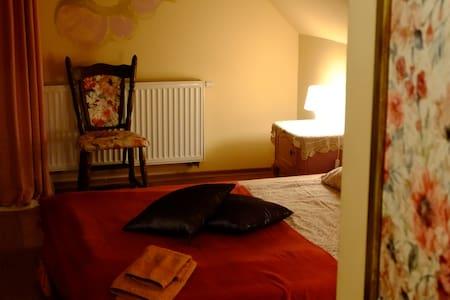 Miły pokój 4 km od morza / Nice room 4 km to Sea - Odargowo
