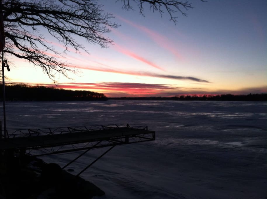 Great winter get-a-way for ice fishing, snowmobiling on the near-by trails and other winter fun!