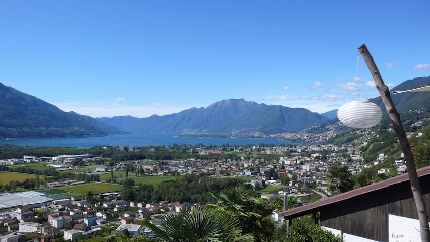 Nature Paradise in Gordola/Locarno (Lake view)