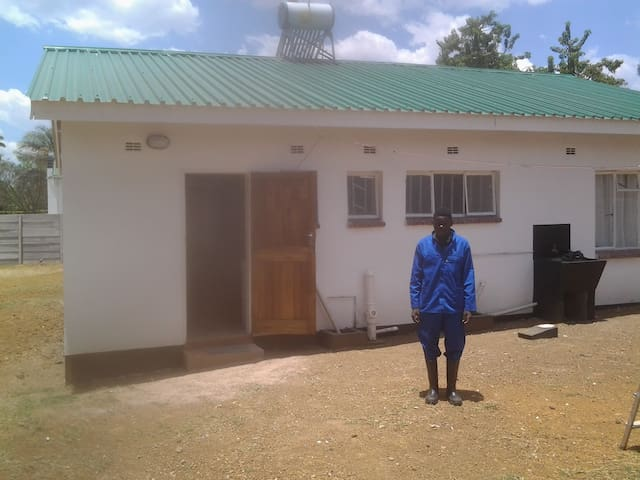 Lovely, ecofriendly new, 2 bedroomed house. - Harare - House