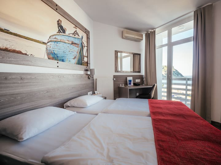 Double room - a view of the sea