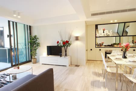 Five Star Design 2 Bedroom Apartment in SYD CBD - Haymarket