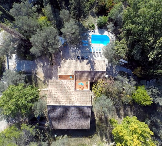 Stone bastide, private pool, panoramic vue, quiet - Callas - House