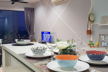 SetiaWalk Trigon Puchong, Luxurious Cozy Home