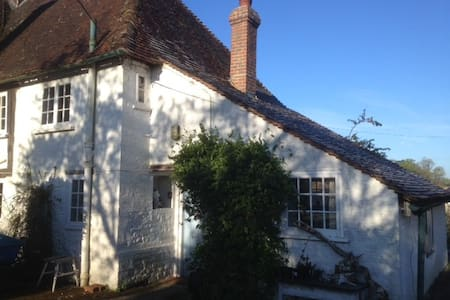 Double Room in Idyllic West Sussex - Greatham - Bed & Breakfast