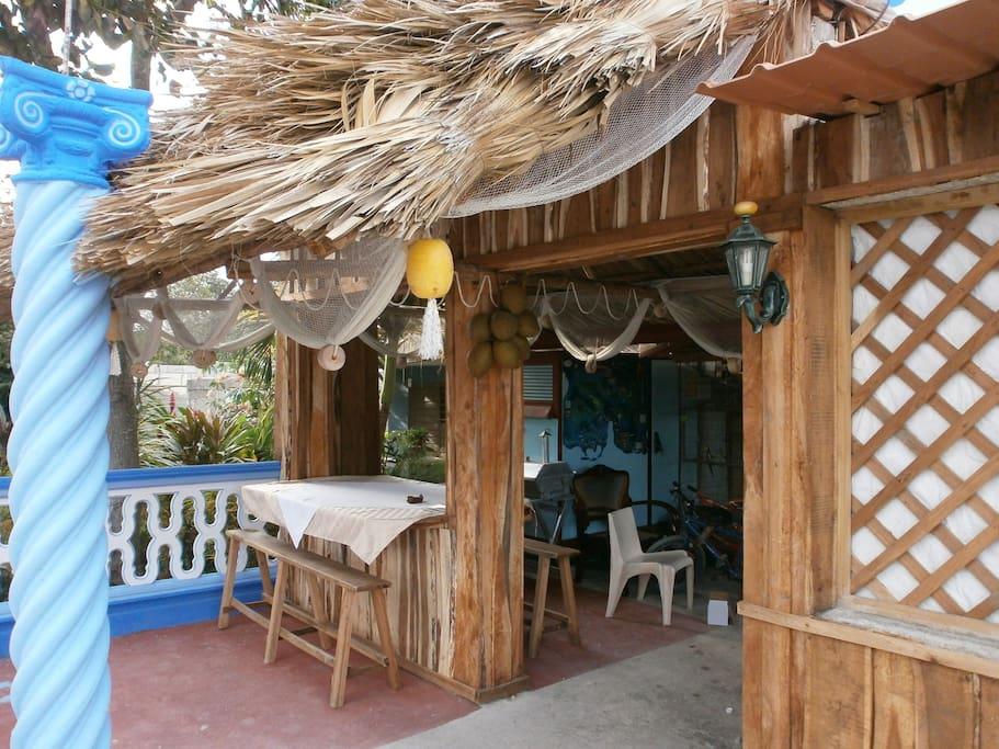 Cenas criollas al aire libre con un toque de cubanía.