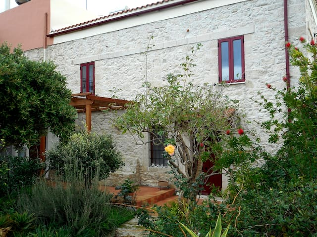 traditional Cretan house - Petrokefalo - Hus
