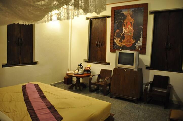 Classy Double Room in Sukhothai