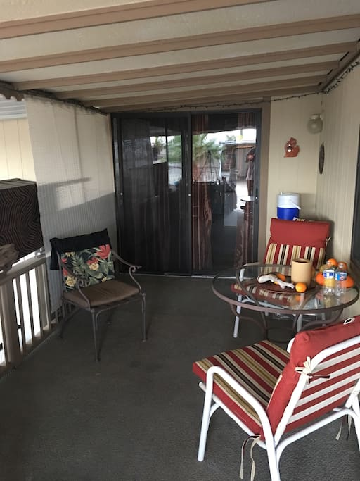 Your own Arizona room with Private locked entry off deck.