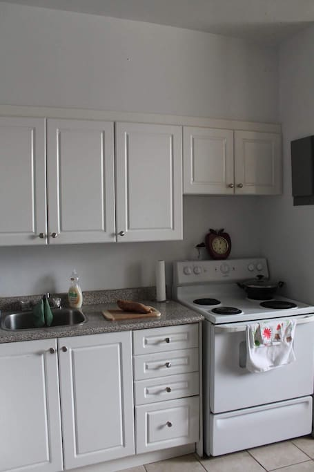 A clean kitchen is the perfect space to cook your morning meal.