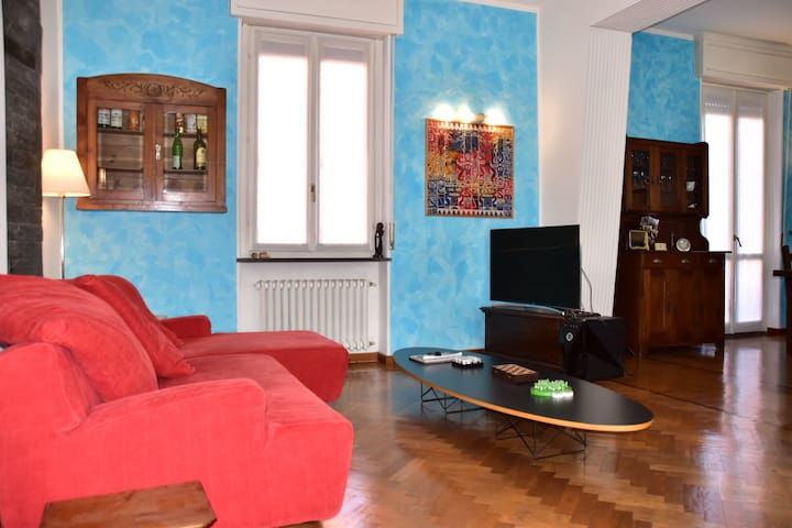 Elegant and spacious flat 200sqm 30 m to Milanfair