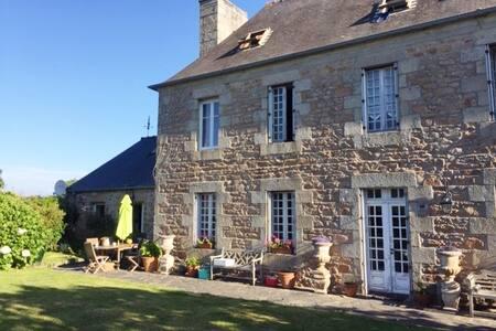 Chambre Bleue Maison de Charme à Trégastel