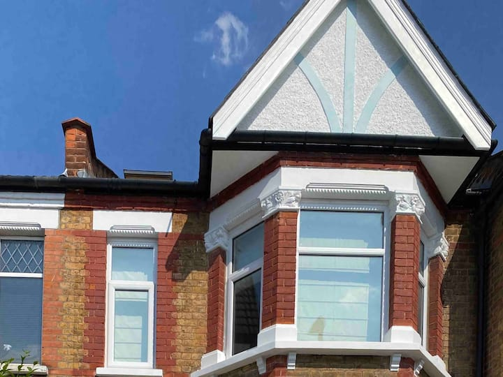 Edwardian house for cat and yoga lovers 3bed2baths